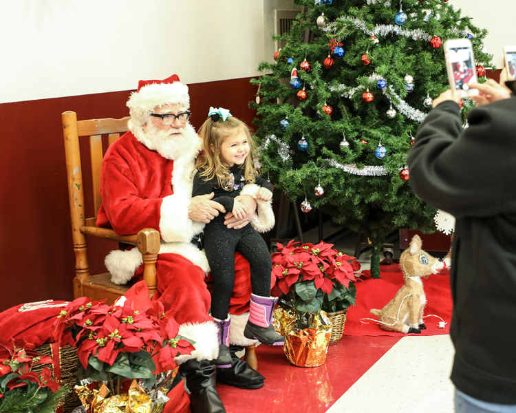 Photo Gallery: F-S PTO Hosts Annual Cookies with Santa Fundraiser