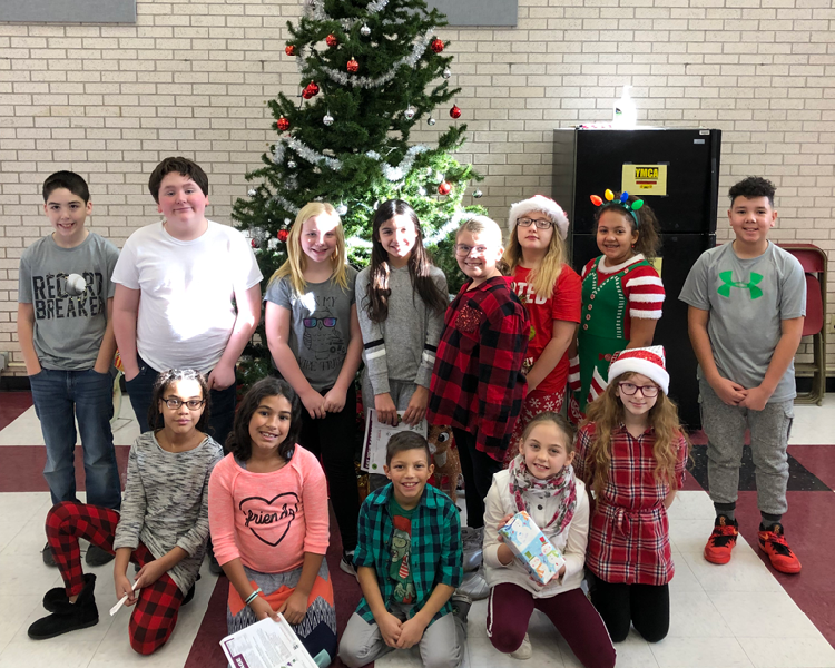 "Frankfort-Schuyler Elementary K-Kids ""Adopt a Veteran"" for Holiday Season"